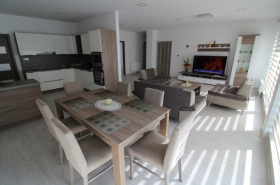 Rent luxury 3 bedroom. apartment in the city center Ruzomberok